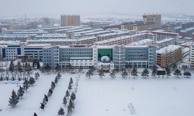 「原创」航拍雪中边城密山