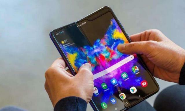 三星折叠屏手机开售5分钟抢空,华为折叠屏手机开售,你会考虑吗