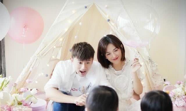 张杰入职上海大学电影学院,主教表演系声乐,和同行老师开心合影