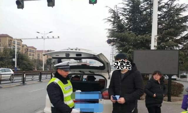 """北京惊现""""神秘车队"""",不挂牌照样上路,交警遇见也不查"""