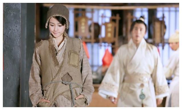 没见过朱茵这么美的小乞丐,刘亦菲是丐帮公主吧?郑爽最接地气~