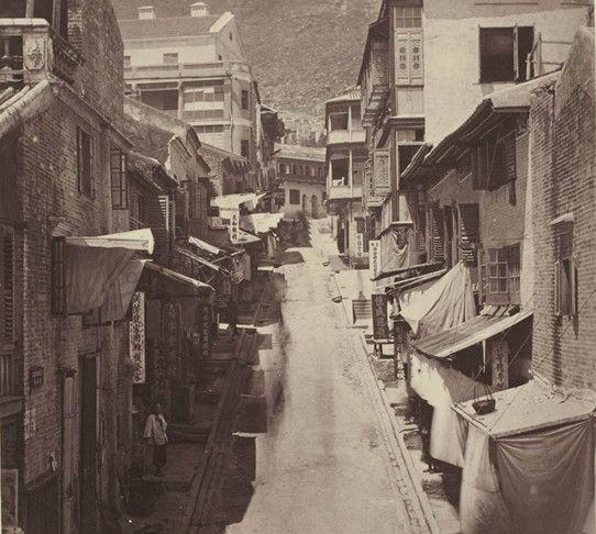 100多年前的香港,华籍印籍警察并存,缆车叮叮车今天依旧在运行