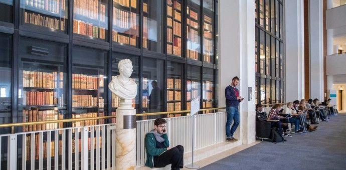 大英图书馆,共有14层,世界上最大的学术图书馆之一