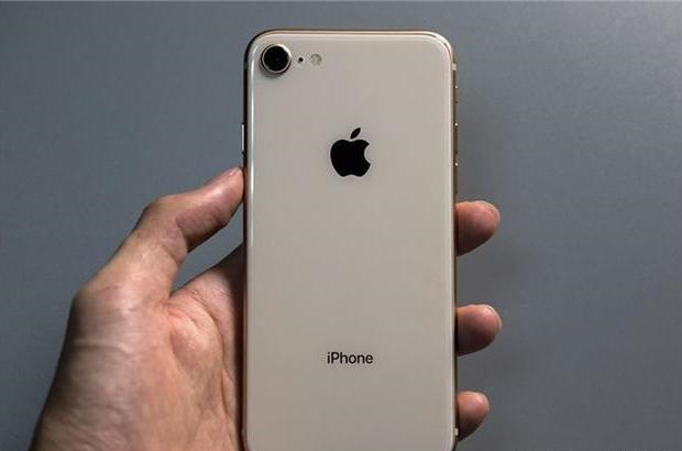 iPhone8 Plus跌至4299元,现在还值得入手吗?