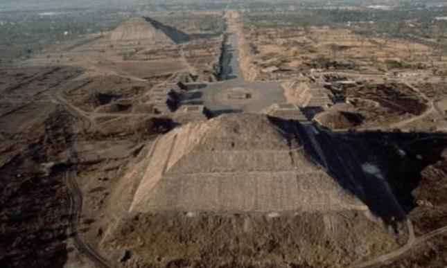 玛雅人藏身之处被发现金字塔下发现神秘隧道,地下世界或许存在!