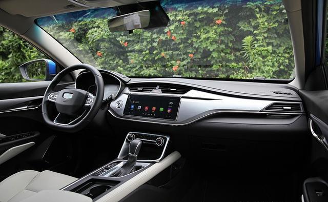 运动风   时尚  科技 智慧 实拍吉利全新缤瑞美三厢车