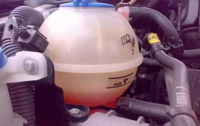 防冻液应该多久换一次?很多车主不听劝,发动机直接报废