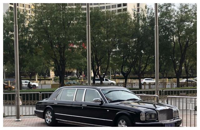这款车全国就只有三辆了,北京的这一辆属于他,很多人都认识