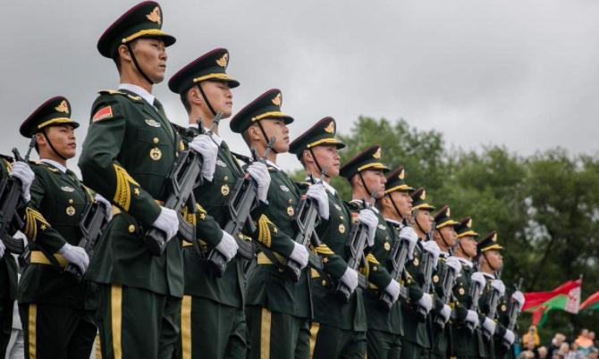 德媒质问白俄罗斯,阅兵为何有中国军人?白方机智回答让人称赞