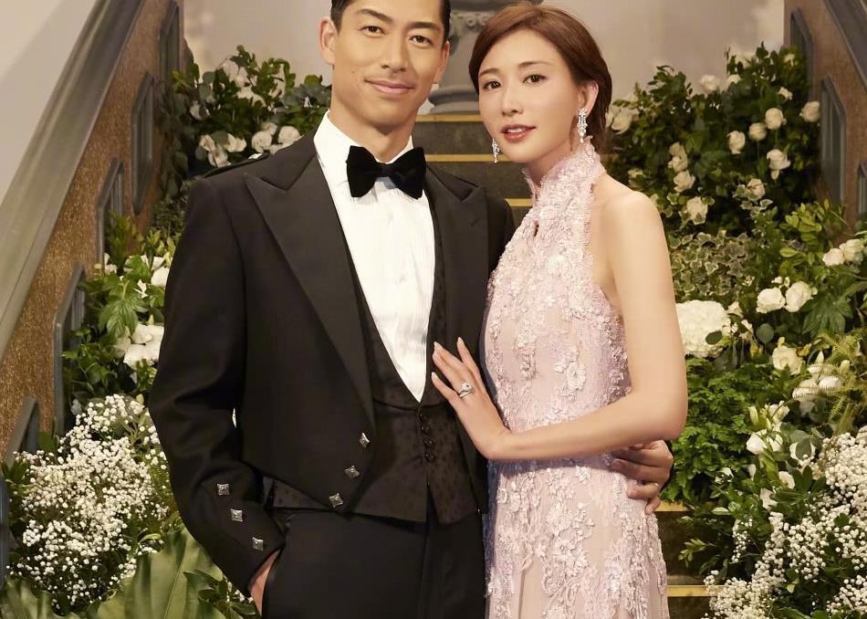 穿秀身材礼服参加林志玲婚礼,王力宏老婆被吐槽心机抢镜