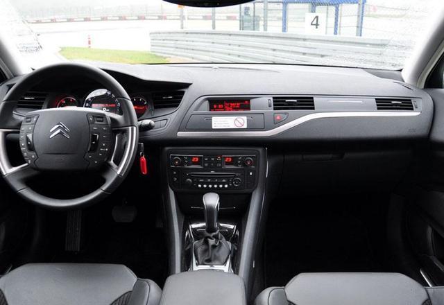 舒适又安全,东风雪铁龙C5,这款汽车值得你入手