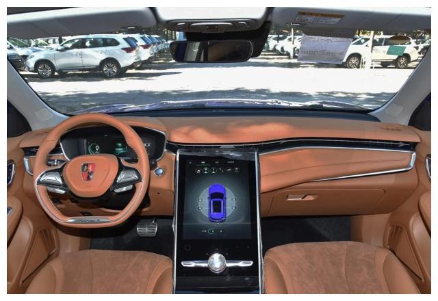 30万不一定非要买比亚迪,这台车国产要更豪华,就是有点贵