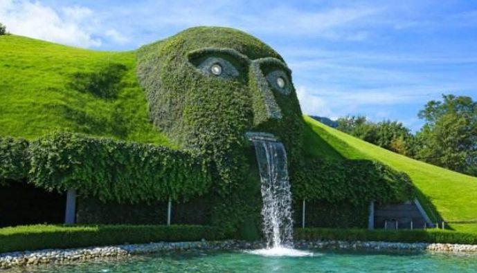 世界世界最大、最著名水晶博物馆——施华洛世奇水晶世界