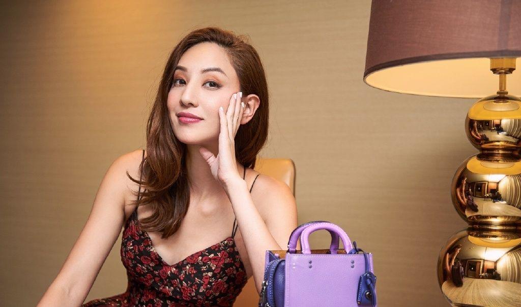 """被誉为""""素颜女神""""的郑希怡,蕴含着令人陶醉的魅力,喜欢她吗?"""