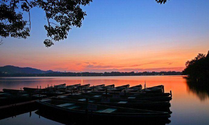 西湖是杭州的灵魂,日出太惊艳了
