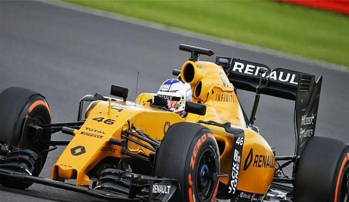 雷诺赛车:很难不喜欢,F1赛车动力十足,很有气势