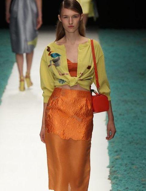 时装周:美丽大方的模特小姐姐,秀出时尚潮流