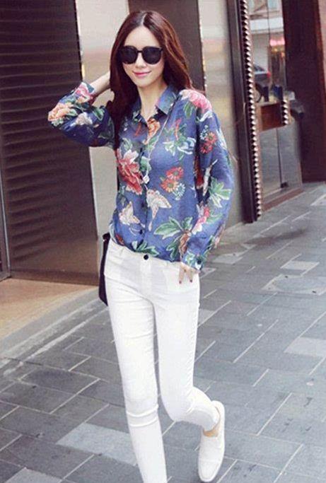 三月潍坊小姐姐街拍,衬衫+长裤利落潇洒,让人有种心动的感觉