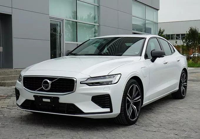 国产全新沃尔沃S60曝光,26万起标配8AT,年底上市!