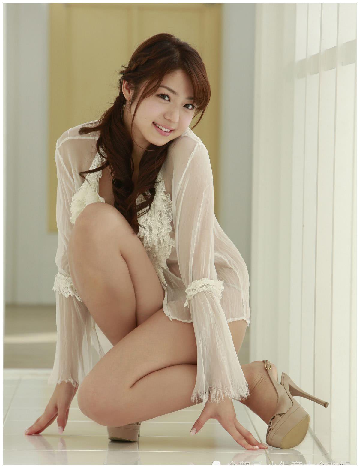 日本人气模特,中村静香,萌女般的写真偶像
