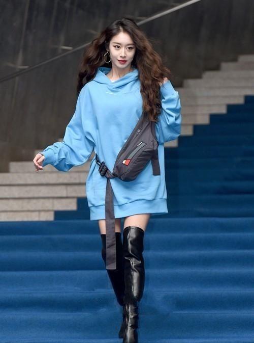 T-ara智妍,表艺珍等韩国艺人出席了首尔时装周活动