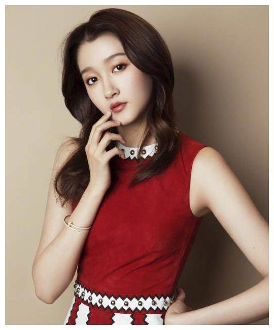 长发最美的四位女星,关晓彤上榜,刘诗诗第二,第一是她!