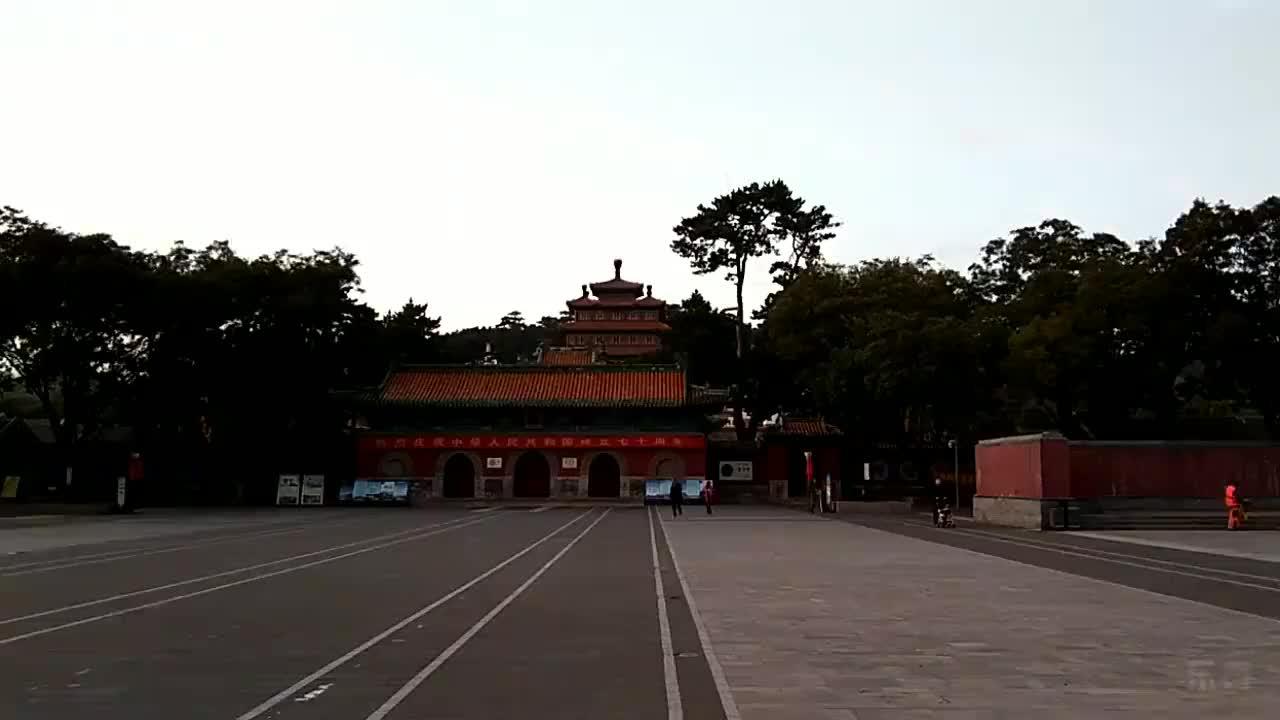 黄昏下的普宁寺一种安静的美