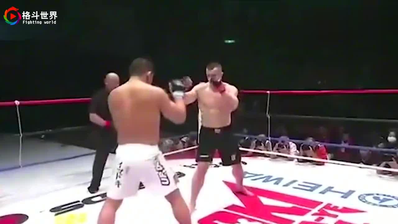日本柔道冠军被米尔科打破头,日本巨兽不服气现场挑衅直接动手