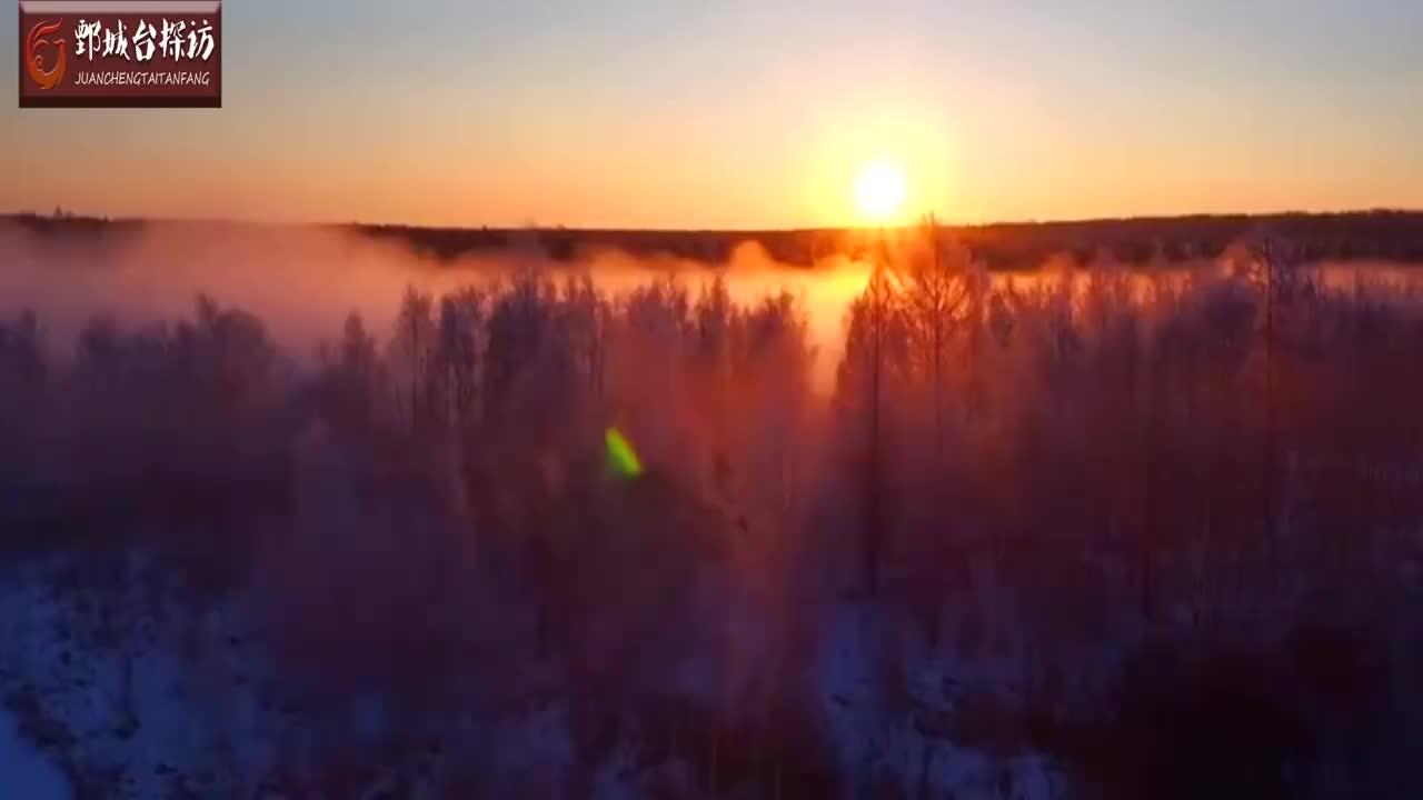 库尔滨河因每天发电河水常年不冻现雾凇玉树琼花美如仙境