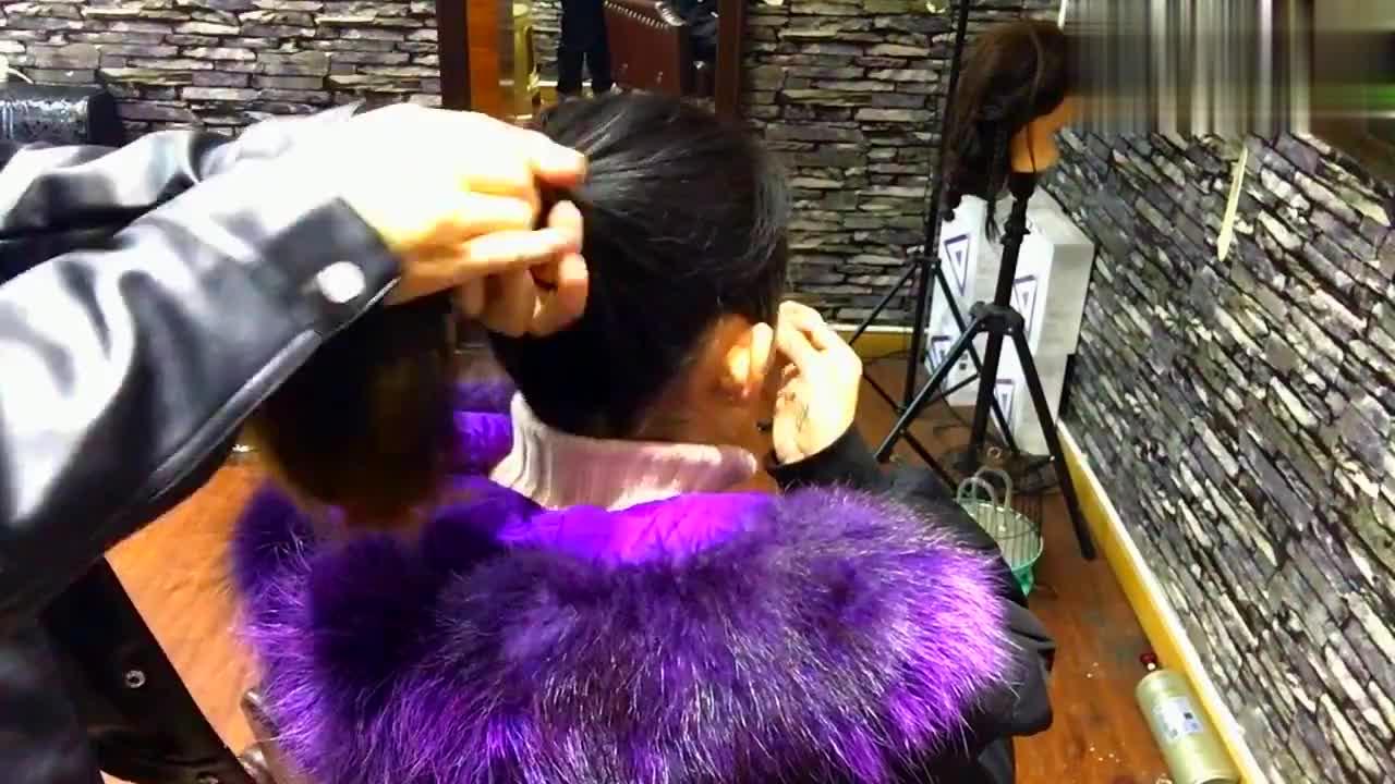 教你一款与众不同的扎发,干净利落!