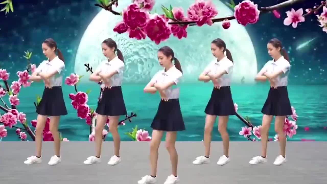 如此惊艳的DJ广场舞《天天把歌唱》舞姿优雅动感迷人靓丽十足