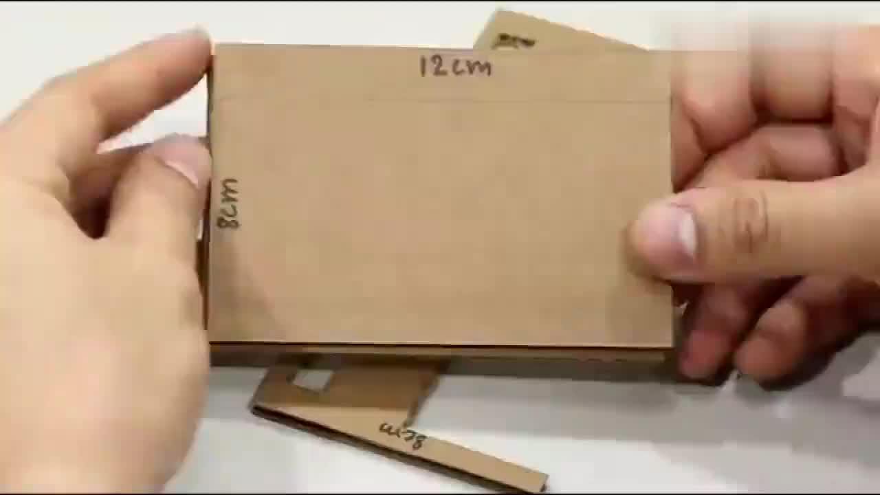 看老外如何diy纸板迷你自动售货机网友其实挺简单的