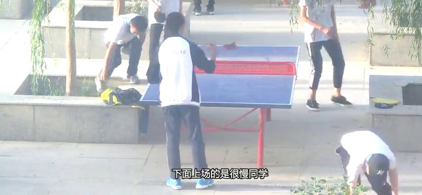 大佬解说校园乒乓球,都这么暴力,怪不得是中国国球呢