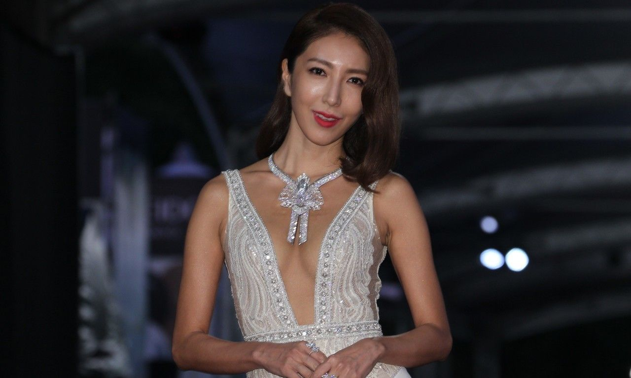 人物影像:杨谨华,70后,中国台湾人,女演员,参演深夜食堂