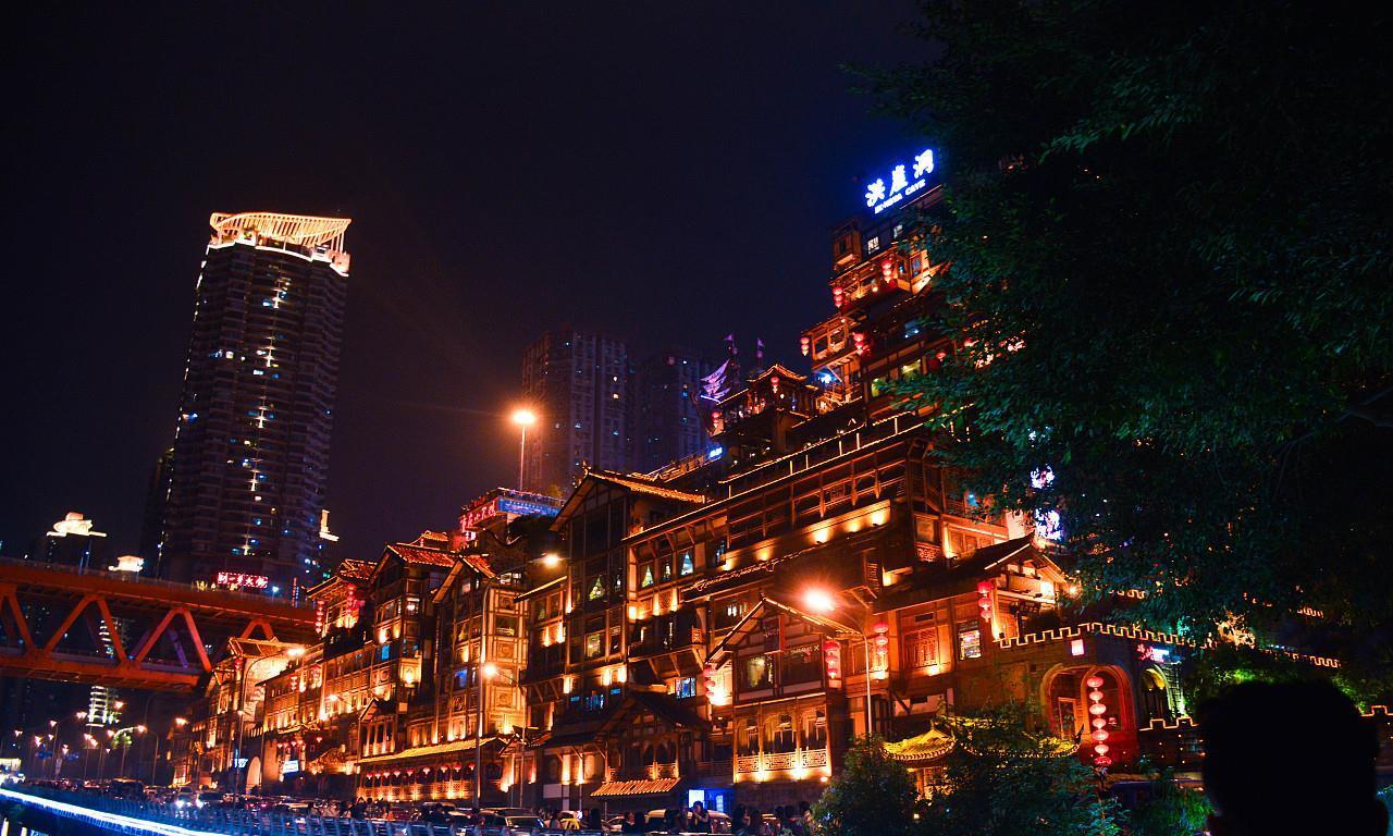 北上广深港5大国际化大都市夜景:你见识过几个?你觉得谁最美?