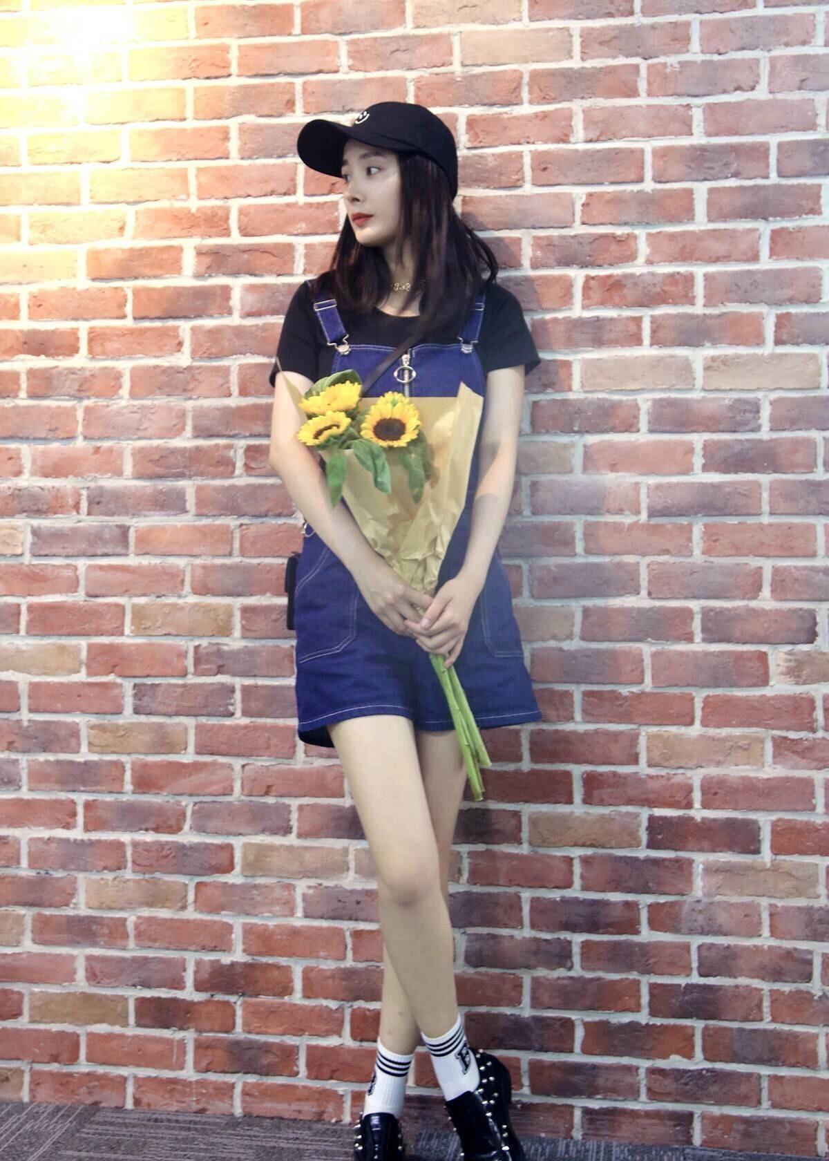 杨幂:穿衣总是引领时尚潮流,美貌身材也是没的说