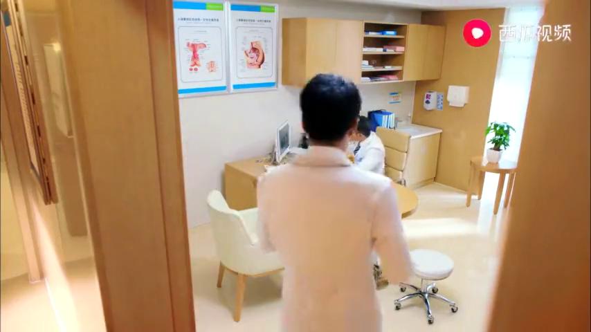 男妇科医生的爆笑日常 两个男医生病房互怼 结果一股异味飘来