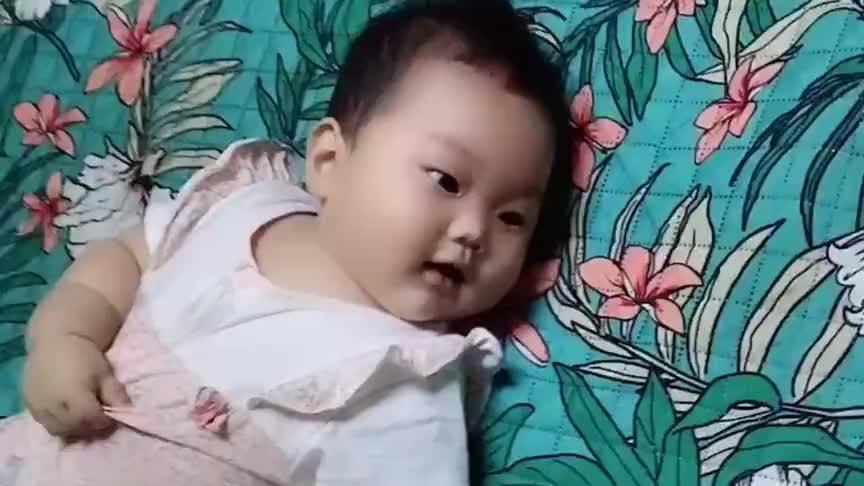 妈妈教小宝宝学说话,接下来宝宝的反应好萌,简直太可爱了!