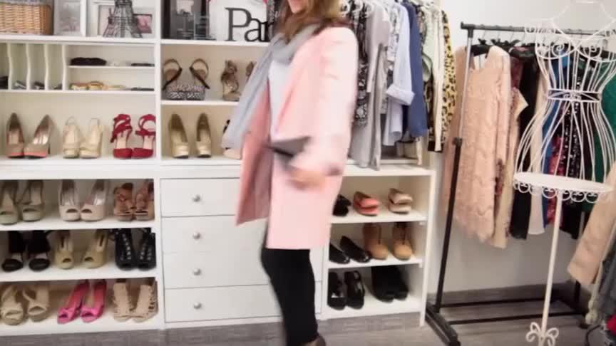 美丽时尚穿搭紫色高跟鞋 + 粉色上衣 + 黑色小脚裤