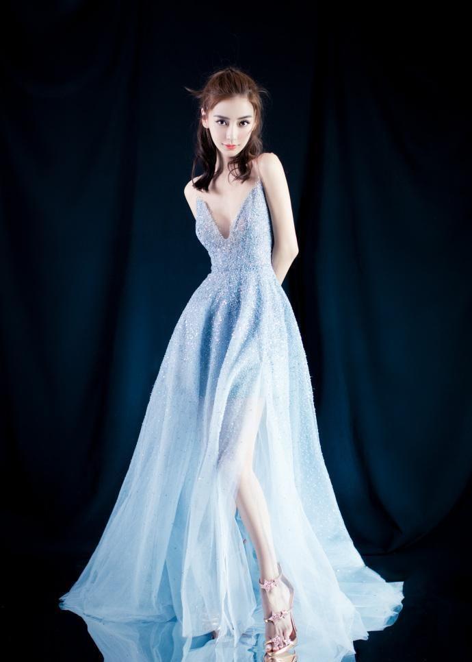杨颖肤白貌美,高颜值好身材尽显,出席活动每一次都很惊艳!