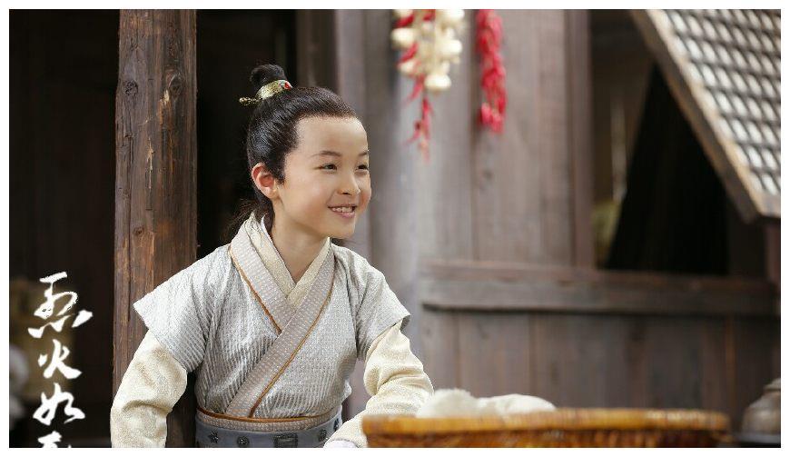 《烈火如歌》谢小风扮演者小戏骨石悦安鑫,据说舅妈是海清?