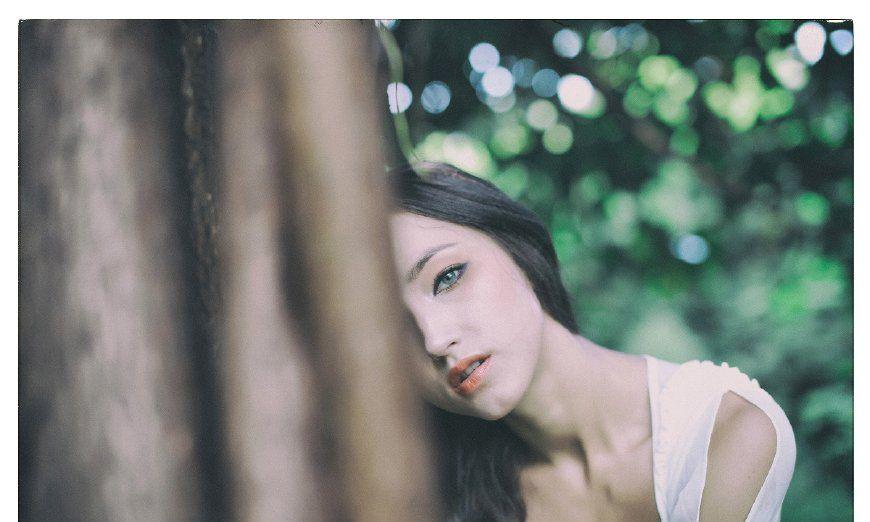 艺术摄影:森林中的米迪莉娅,女神般神秘而诱惑!