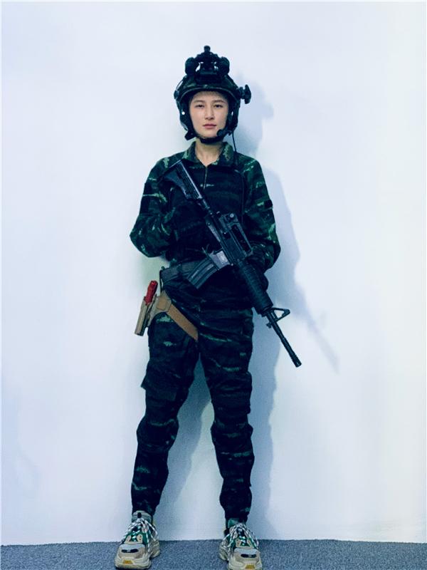 """蒋璐霞解锁训练图 """"爱心狙击""""实力宠粉"""