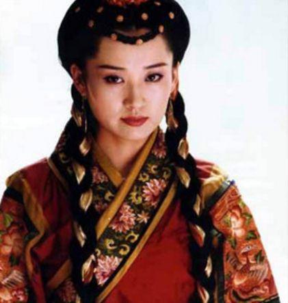 陈红许晴只相差一个月,一个美人迟暮,一个依旧风情妩媚!