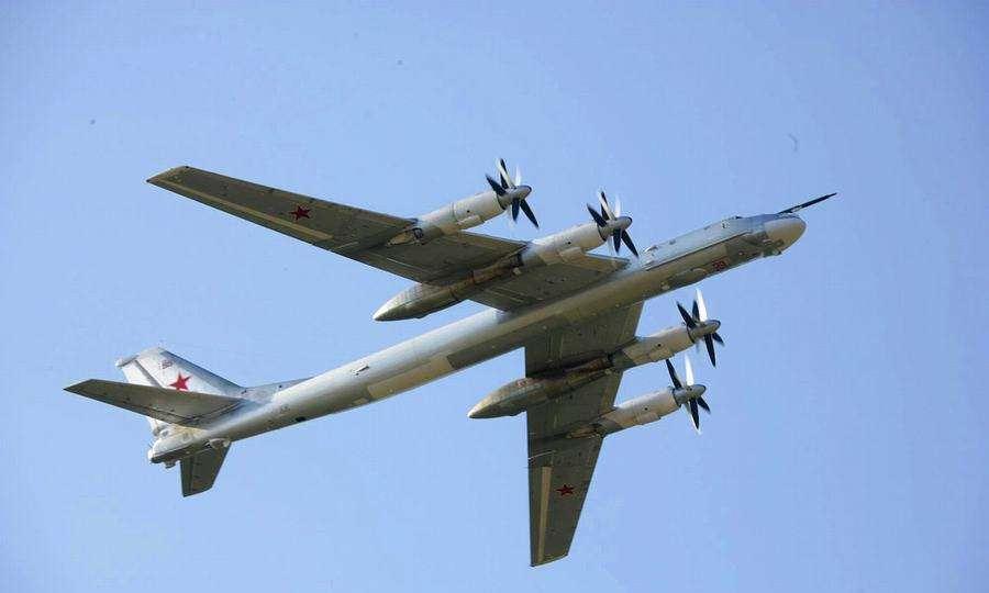 刚退出《中导条约》,俄轰炸机就闯入领空,北美航空司令部被打脸