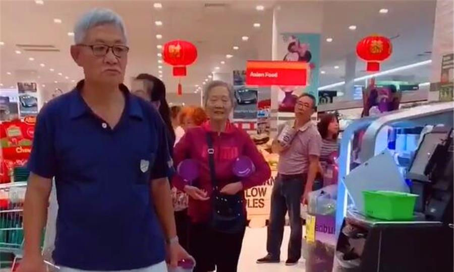 人手2罐奶粉,澳洲商场奶粉还没上架,已被中国游客代购抢光