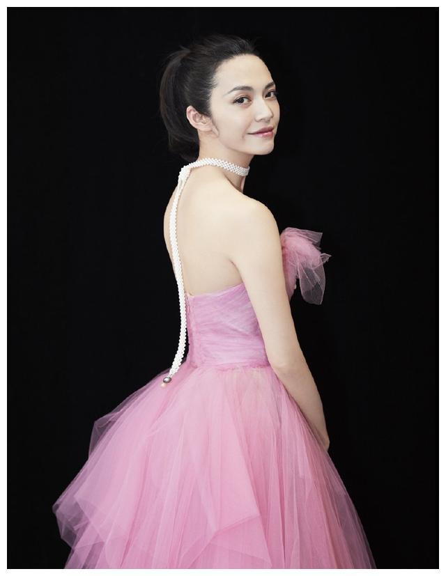 与赵又廷合作的女演员颜值排名:杨幂第二,姚晨垫底,第一最美