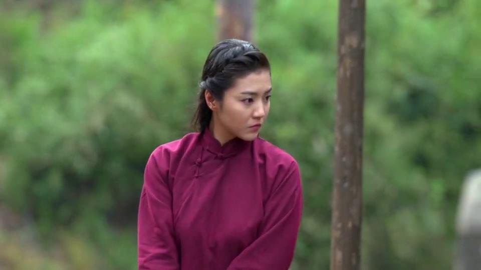 云清村中寻找水源,二虎受伤村中休息,好心女孩指引方向。