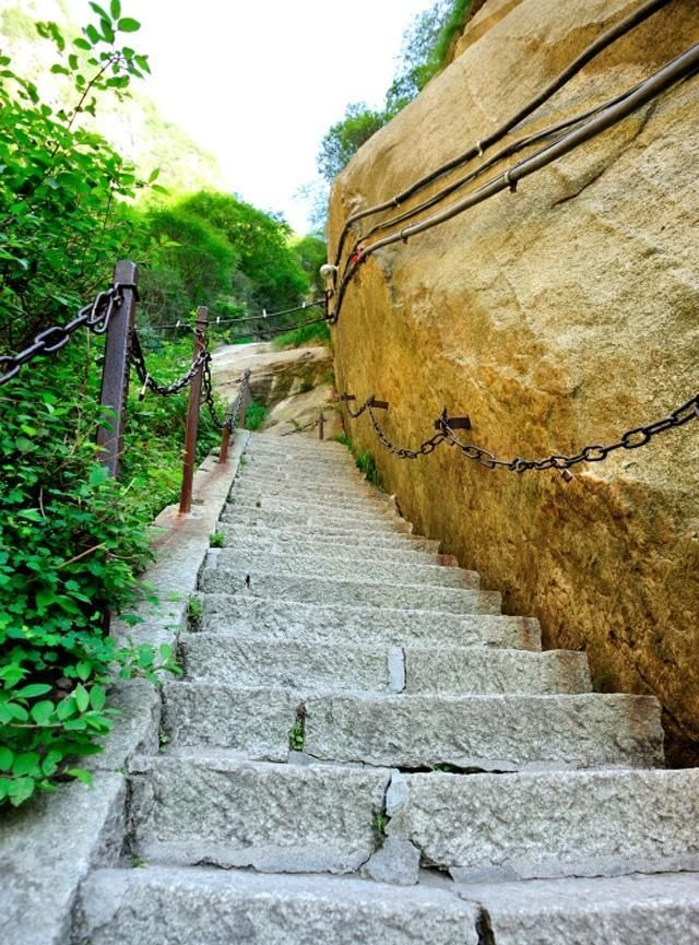长空栈道,是华山著名险道之首
