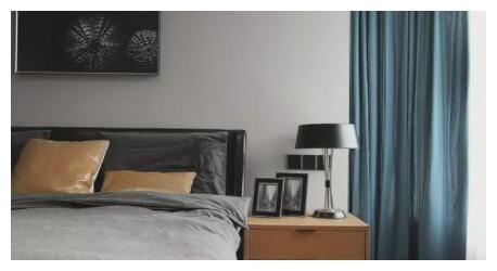 床头柜阻拦了卧室变美的脚步?别着急扔,先看看别人都怎么设计的